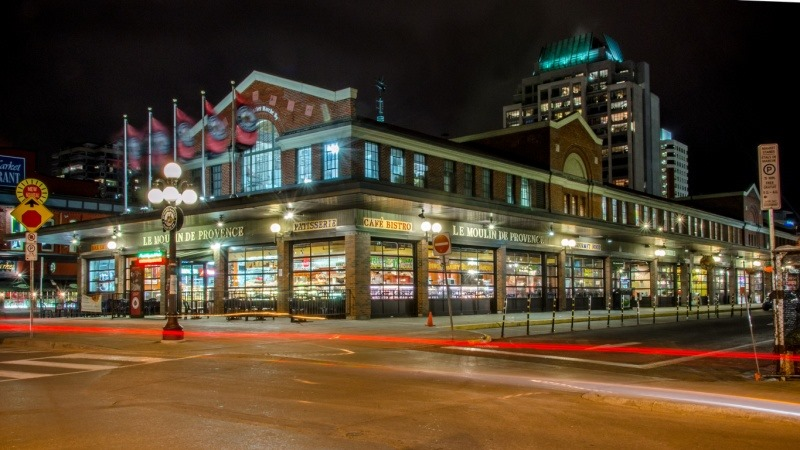 the byward market at night